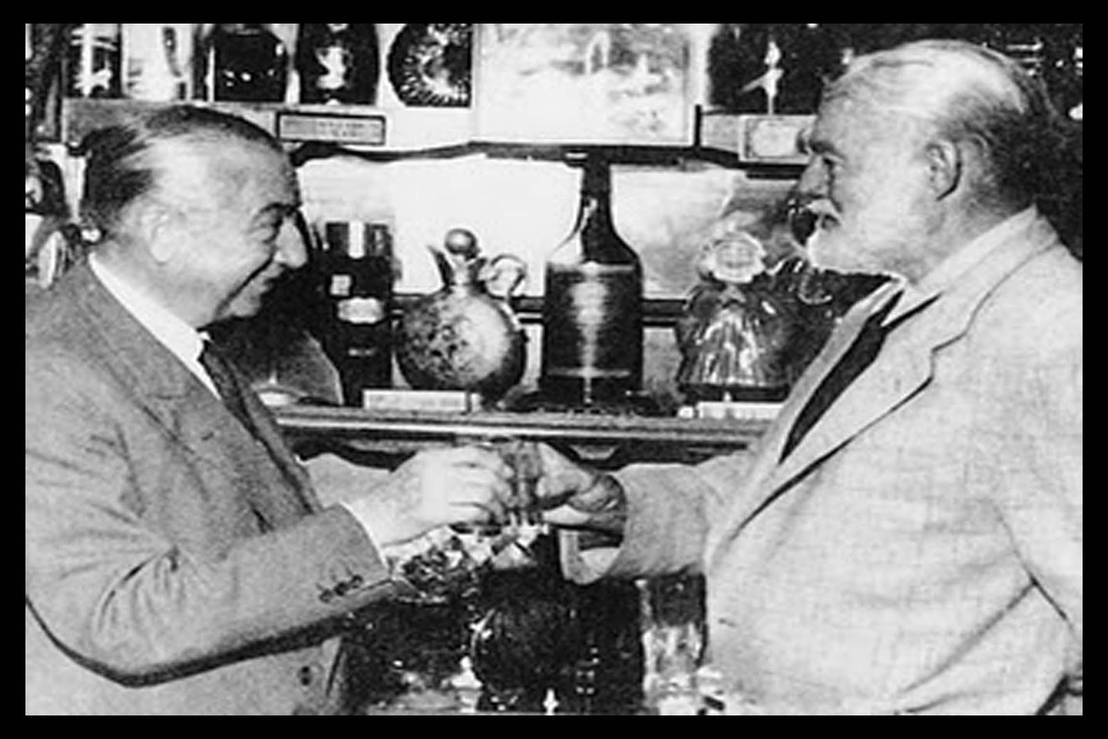Perico-Chicote-y-Ernest-Hemingway
