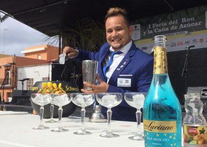 Josué Ramón Rodríguez Santana campeón de Coctelería Clásica